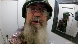 Social Moment: Si's Bathroom Break