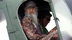 Si is Honored for His Military Service