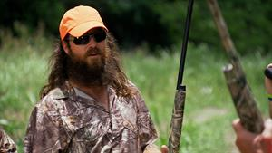Jase Hunts with His Father-in-Law
